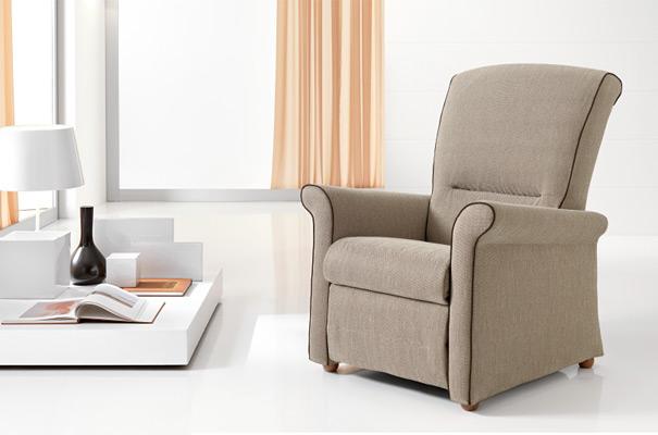 Divani e poltrone pirani mobili for Divani e divani poltrone relax prezzi